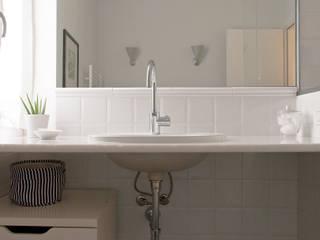 Ванные комнаты в . Автор – Fabio Ramella Architetto, Модерн