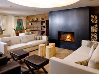 Alpin Lifestyle Hotel Aspen: Salon de style  par Philippe Hahn Photography