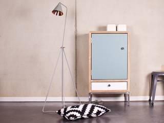 Schrank Bauholz/Stahl von PURE Wood Design Skandinavisch
