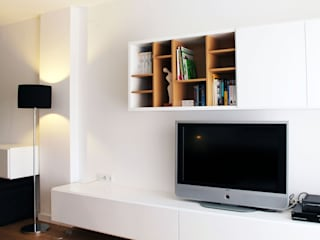lauraStrada Interiors Minimalist houses