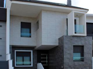 VIVIENDA UNIFAMILIAR LM:  de estilo  de forma2arquitectos