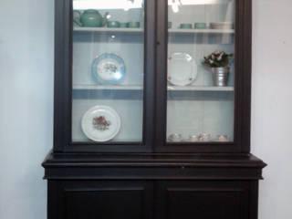 Restauración de una alacena estilo ingles Atmospherabcn CocinaArmarios y estanterías