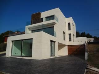 VIVIENDA LA PIPA de Agora Arquitectos