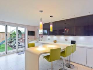 MR & MRS CAPEL'S KITCHEN:  Kitchen by Diane Berry Kitchens