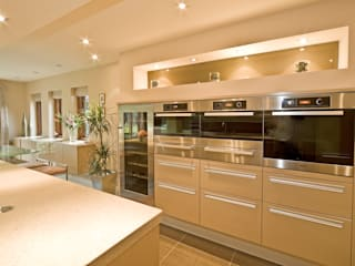 MR & MRS TAYLOR'S KITCHEN:  Kitchen by Diane Berry Kitchens