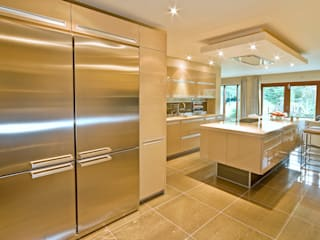 MR & MRS TAYLOR'S KITCHEN Diane Berry Kitchens Cucina moderna