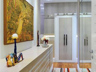 Спальня в стиле модерн от Adriana Scartaris: Design e Interiores em São Paulo Модерн