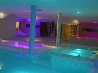 Le Club - Centre Fitness: Locaux commerciaux & Magasins de style  par Agence Philippe BATIFOULIER Design