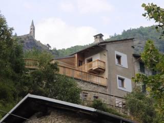 casa VM di AMBROGIO BARBIERI ARCHITETTI Rustico