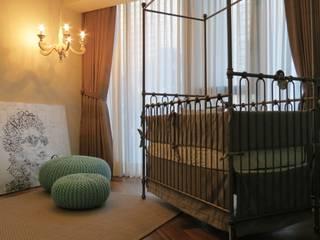 NIVEL TRES ARQUITECTURA Classic style nursery/kids room