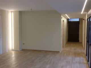 vivienda unifamiliar entre medianeras : Casas de estilo  de jacint alsina despatx d'arquitectura