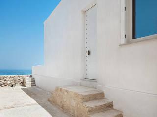 Casa EC Finestre & Porte in stile mediterraneo di Indice Creativo Mediterraneo