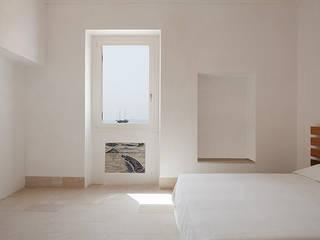 mediterranean Bedroom by Indice Creativo