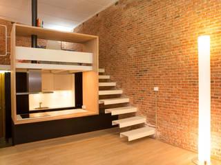 Pasillos, vestíbulos y escaleras de estilo minimalista de Beriot, Bernardini arquitectos Minimalista