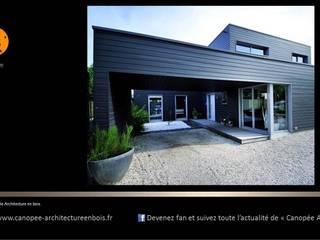 """Villa """"BLACK CUBES"""" par SARL CANOPEE Éclectique"""
