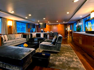 40m Super Yacht Classic style living room by Amber Design Classic
