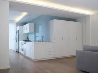 Departamento_Ro: Casas de estilo  por revolver architecture