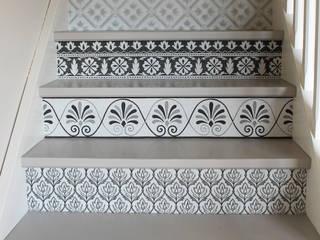 APOLONY Vestíbulos, pasillos y escalerasEscaleras
