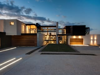 House Boz Modern houses by Nico Van Der Meulen Architects Modern