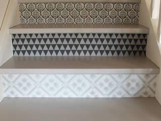APOLONY Corridor, hallway & stairsStairs