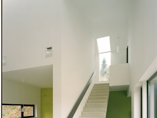 Wohnraum:  Wohnzimmer von F29 ARCHITEKTEN GMBH