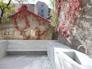Casa Orfila Balcones y terrazas de estilo moderno de Schneider Colao design Moderno