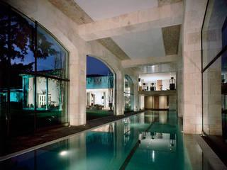 Piscinas de estilo  de JR Arquitectos