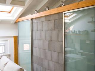 Ristrutturazione e arredamento di un appartamento Architetto Andrea Farri Soggiorno moderno