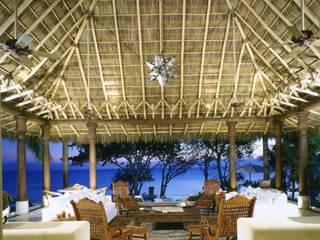 Casa Calandrias Hoteles de estilo tropical de BR ARQUITECTOS Tropical