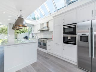 Bishops Park SW6: modern Kitchen by CATO creative