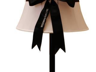 Lamp Miss Love:  in stile  di Romindesign