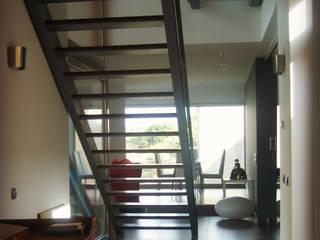 Vivienda La Encomienda Zamora: Casas de estilo moderno de UA30 Arquitectos S.L.P.