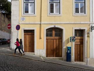 Atelier Calçada do Correio Velho (2014): Lojas e espaços comerciais  por pedro pacheco arquitectos,Minimalista