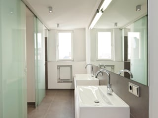 in_design architektur Classic style bathroom