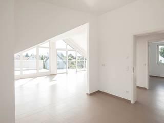 Salas de estar modernas por in_design architektur Moderno