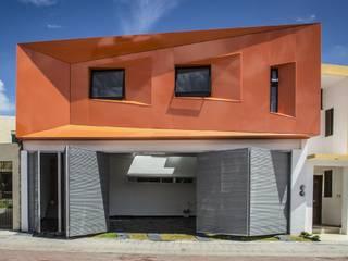 CASA C+G: Casas de estilo  por PLASTIK ARQUITECTOS
