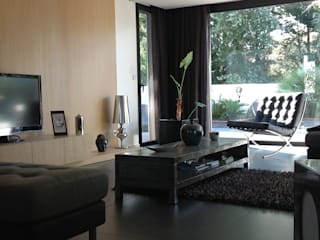 Modern Living Room by Myriam Galibert Amenagement Modern