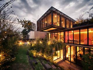 Modern houses by ZD+A Modern