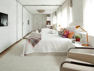 ABRM APARTAMENTO: Casas  por Noura van Dijk Interior Design,Moderno