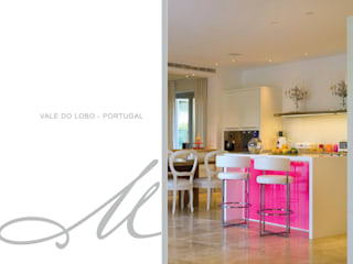 House in Vale Do Lobo الغرف من Maria Raposo Interior Design