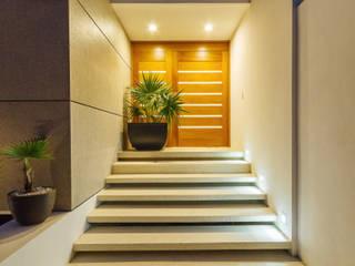 Casa JLM Pasillos, vestíbulos y escaleras minimalistas de Enrique Cabrera Arquitecto Minimalista