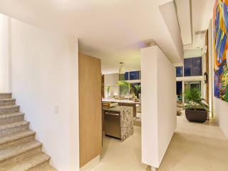 Enrique Cabrera Arquitecto Pasillos, vestíbulos y escaleras de estilo minimalista