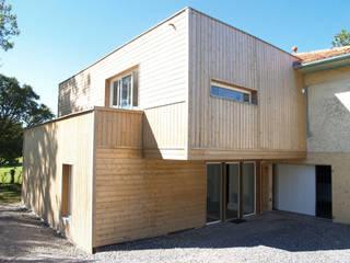 Extension Bois: Maisons de style de style Moderne par ATELIER FABRICE DELETTRE