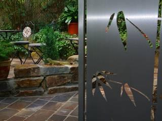 Modern Stainless Steel Gates 모던스타일 정원 by Edelstahl Atelier Crouse: 모던