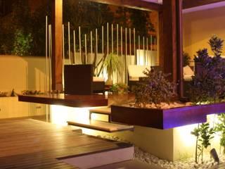 Volumi assemblati nella luce di Studio Architettura & Design 'Castelli' Minimalista
