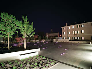 Open public place in Povegliano (TV):  in stile  di MICROSCAPE architecture_urban design AA