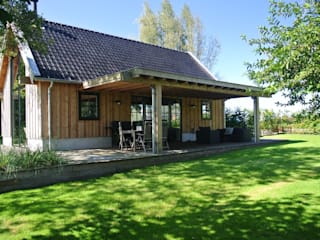 Country style house by landelijkebouwstijl Country