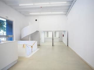 Estudio kaw arquitectos en barcelona homify - Consulado holandes barcelona ...