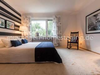 Phòng ngủ phong cách kinh điển bởi Münchner HOME STAGING Agentur Kinh điển