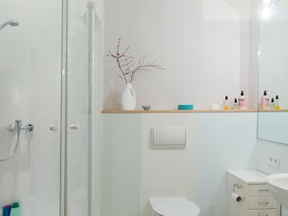 Baños de estilo escandinavo de Berlin Interior Design Escandinavo